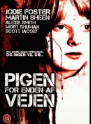 Pigen For Enden Af Vejen (The Little Girl Who Lives Down The Lane)